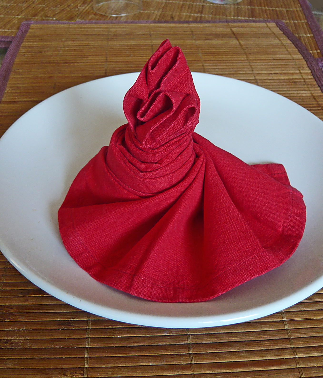 Pliage de serviettes flamenco recettes light for Pliage serviette de table papier
